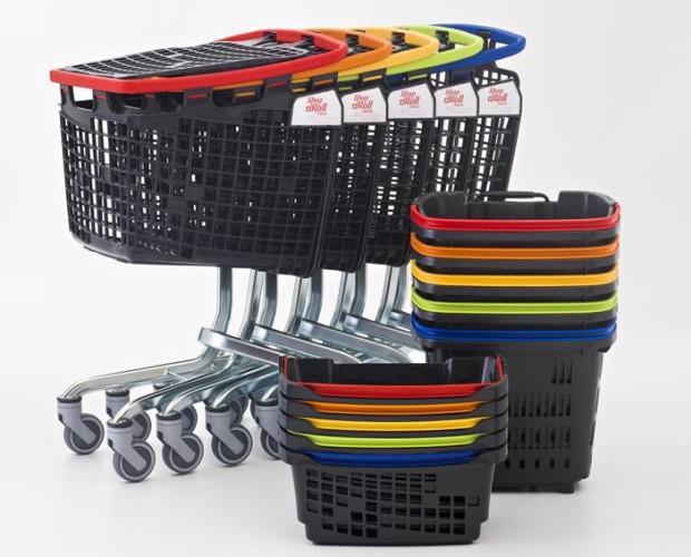 Carros y cestas. Conjunto de Cestas y Carros de supermercados