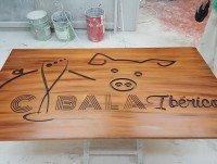 Letrero en madera cabala