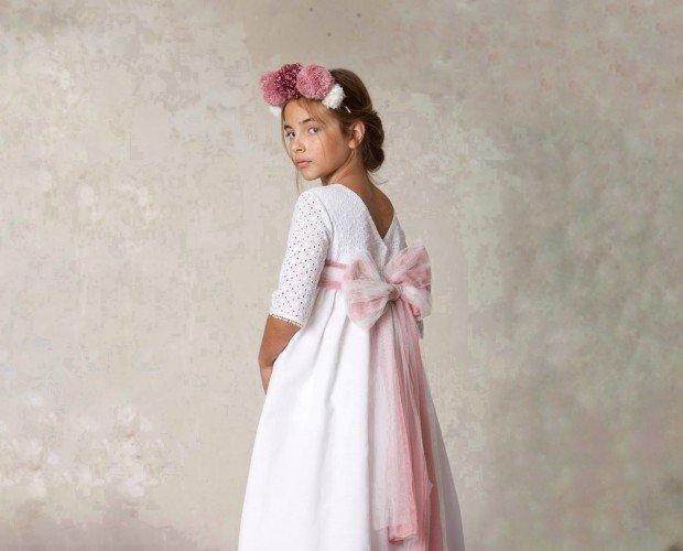 Vestido de comunión. Vestido Eleonor bordado. Confeccionado en lino y algodón y forrado en batista blanca.