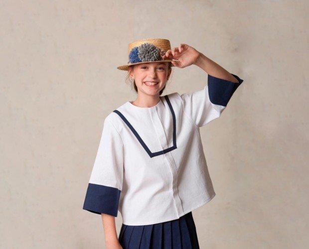 Traje de Comunión. Conjunto de comunión compuesto por la casaca japonesa y la falda marinera.