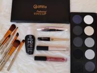 Maquillajes y pinceles