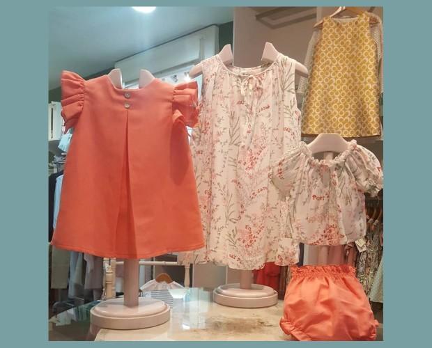 Variedad de vestidos. Diversos colores y diseños