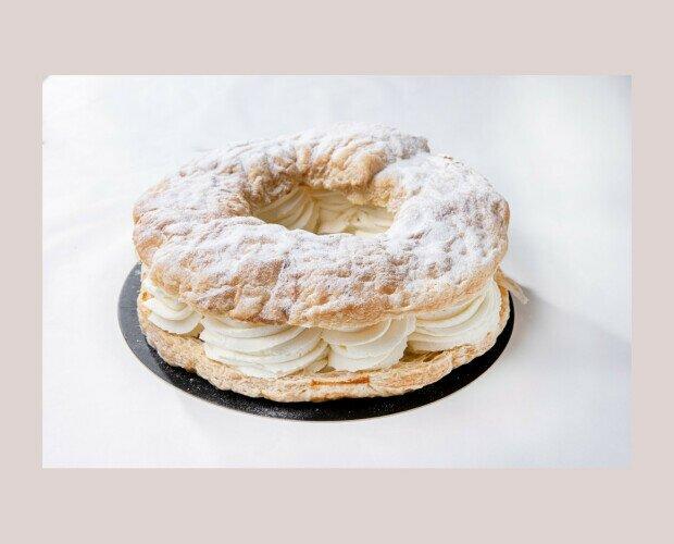 Tortel de Hojaldre. Relleno de nata, también lo puedes pedir con trufa y hojaldre