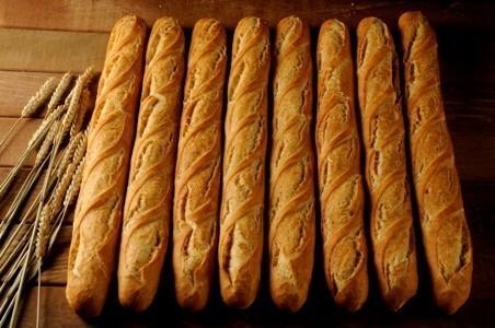 Barras de pan blanco. Varios tamaños, consúltenos