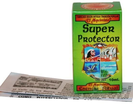 Caja Super Protector. Todos nuestros artículos de alta utilidad para la salud, el dinero o el amor.