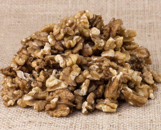 Frutos Secos Ecológicos.Media mariposa-cuartos de nuez ecológica y sostenible cruda sin sal