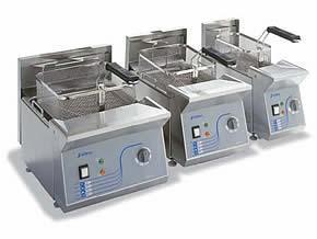 Freidoras. 100% acero inoxidable 18/10. Regulación termostática de 60º a 200º C.