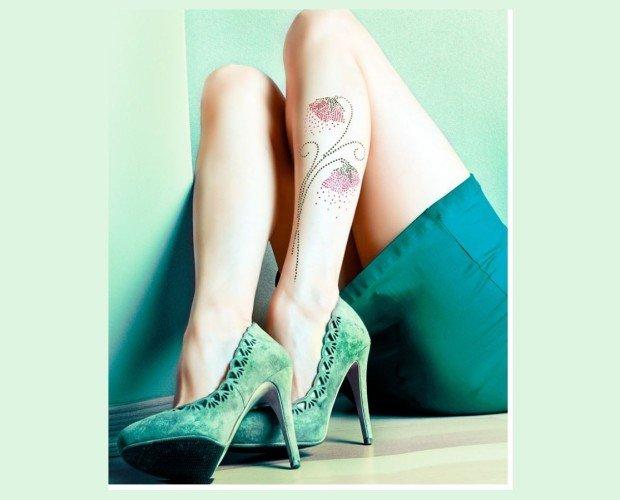 CAMPANILLA. Panty modelo Campanilla 10 deniers especial verano Aplicación de cristales Rombo en algodón 100% Made in Italy