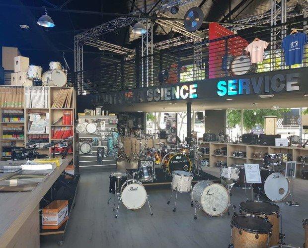 Instrumentos Musicales.Desde el interior de Drummcity