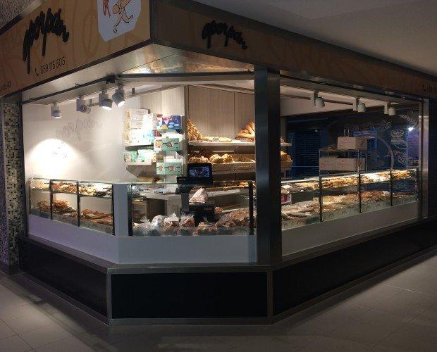 A por pan. Puesto de pan diseñado, fabricado e instalado por ONIAcreaciones