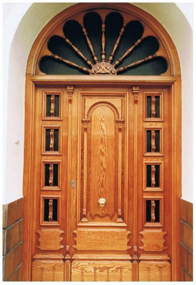 Puertas exterior. Todo tipo de trabajos en carpintería de madera