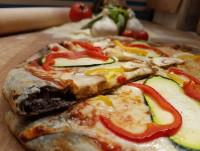 Pizza al carbón vegetal