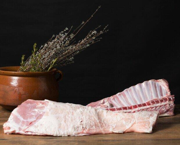 Costillar de cabrito. Carne rosada y delicada que cumple con las expectativas de los mas exigentes