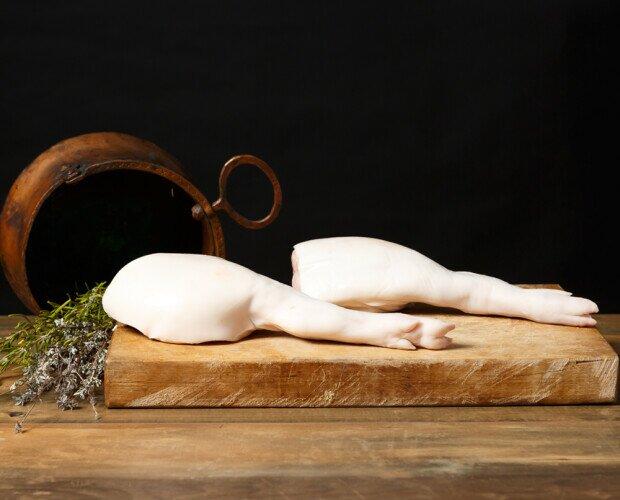 Jamoncitos del cochinillo. Corte jugoso y tierno del cochinillo
