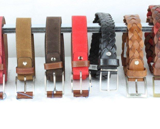 Cinturón. Muchos modelos, de vestir, casual, reversibles, regulables, todo en cuero y fabricados en España