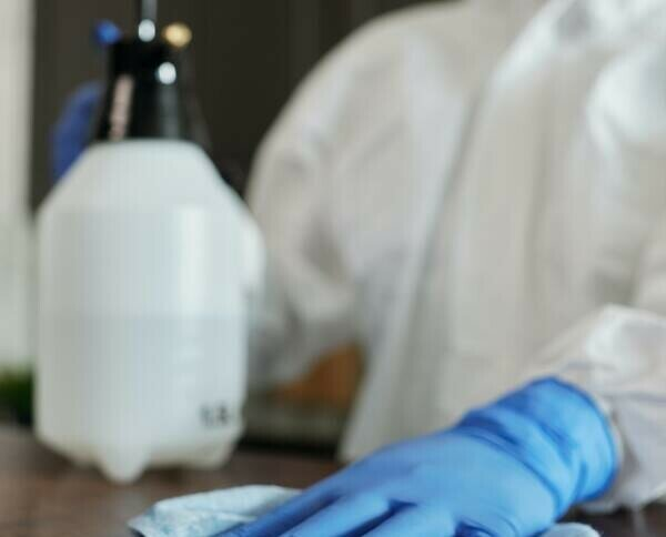 Guantes desechables. Ofrecemos guantes resistentes y económicos