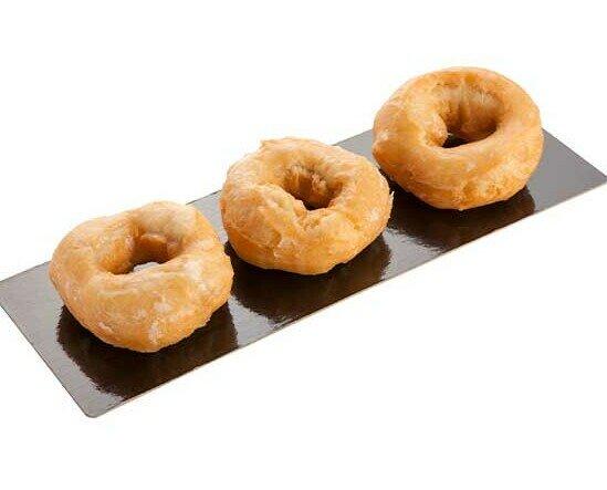 Rosquillas Glaseadas. También llamadas rosquillas de la abuela, terminadas con un baño glasse.