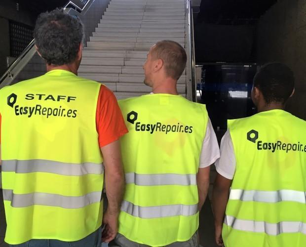Operarios. Personal técnico y operarios a pie de obra