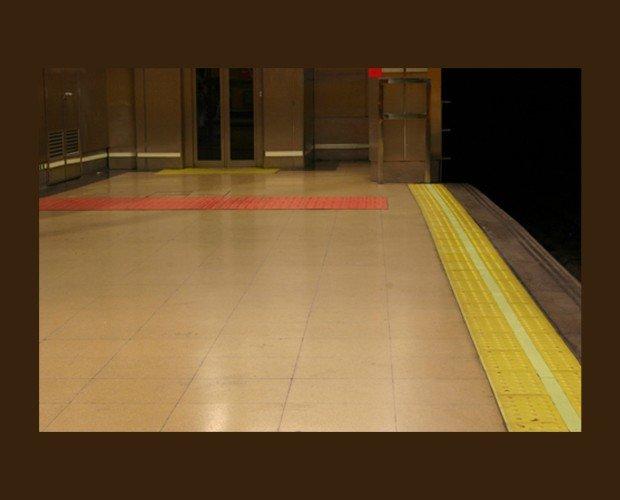 Pavimentos Podotáctiles. Para el uso de personas con visión reducida