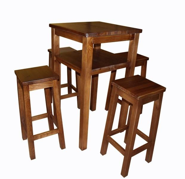 Muebles para Restaurantes.Mesa y taburetes altos de madera maciza