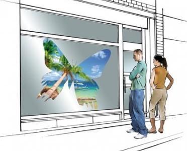Publicidad Exterior.Ilustración sobre escaparate en la calle