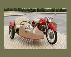 Mv Agusta con Sidecar. Un clásico en perfectas condiciones