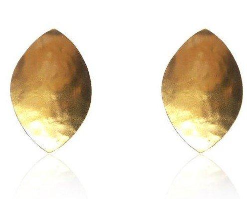 Petalo dorado. Diseño de latón y baño de oro 24k