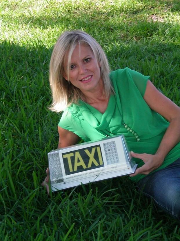 Servicio de taxi. Las 24 horas, los 365 días del año
