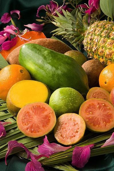 Frutas. Frutas tropicales y étnicas: piña, aguacate, plátano, ají...