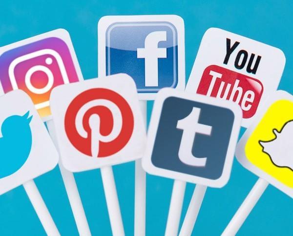 Optimización Redes Sociales. Crearemos y administraremos las redes sociales para atraer más clientes a tu salón de belleza, peluquería, barbería,...