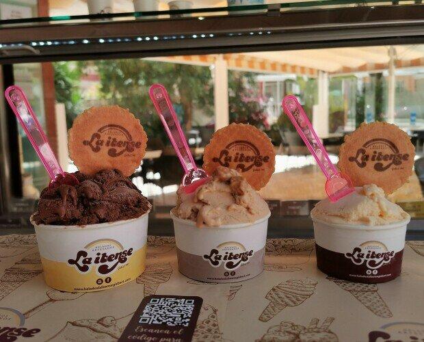 Tarrinas Helados La Ibense Gisbert. 3 sabores en tarrina de Helados La ibense Gisbert, en nuestras heladerías de Alicante
