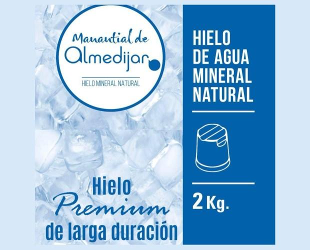 Hielo de agua mineral. Hielo premium
