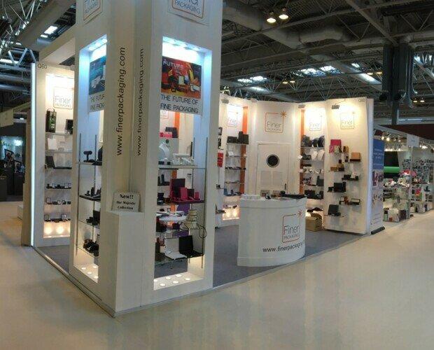 Finer Packaging Expo estuches joyas. Exposición Showroom de estuches para joyas de Finer Packaging LTD. Reino Unido