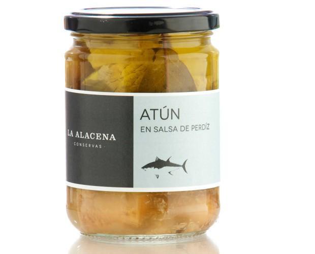Conservas de Pescado.Conserva de atún en salsa