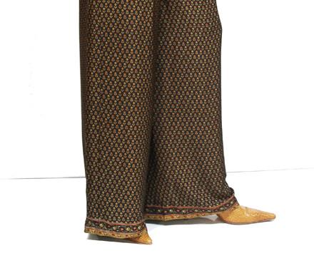 Pantalones. Pantalones, blusones, vestidos, fulares, chales de semi seda