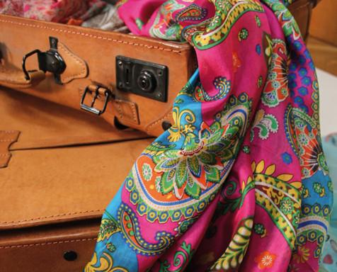 Complementos. Complementos de moda personalizados para tiendas