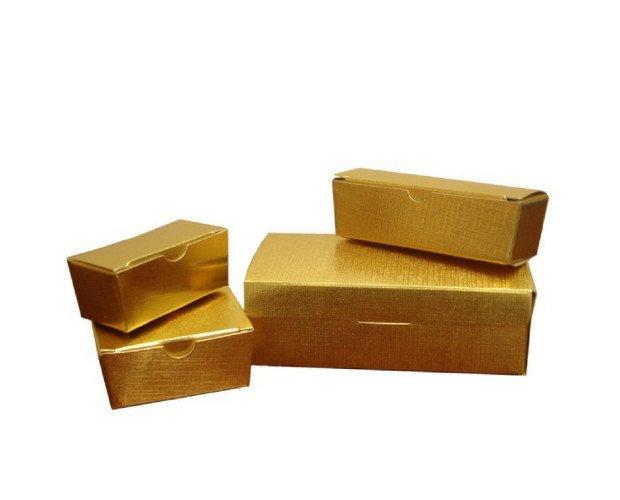 Cajas de bombones. Cajas doradas para diferentes usos