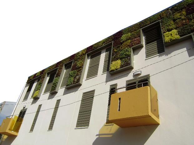 Im genes de jardiner a viva natura for Jardines verticales valencia
