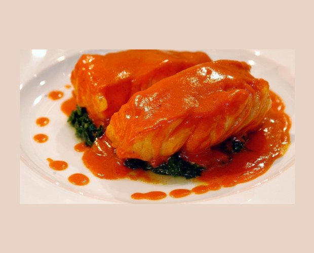 Bacalao con Salsa de Piquillo. Lomitos de bacalao cocinados a baja temperatura