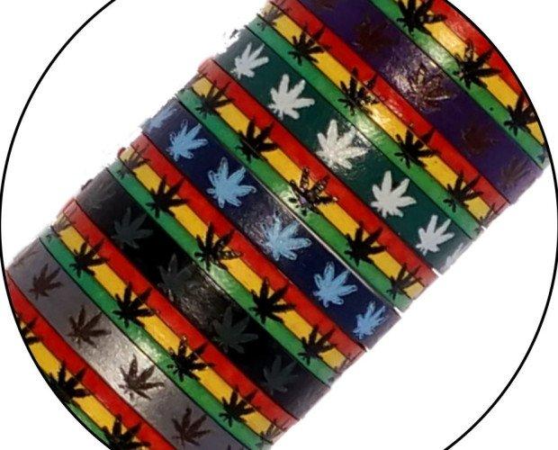 Pulseras marihuana. Moda rasta
