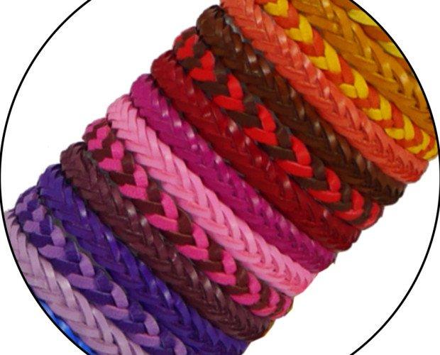 Pulseras trenzadas. Colores variados