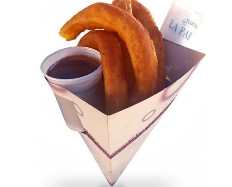 Cucurucho de cartón. Para churros, contiene vaso y servilleta