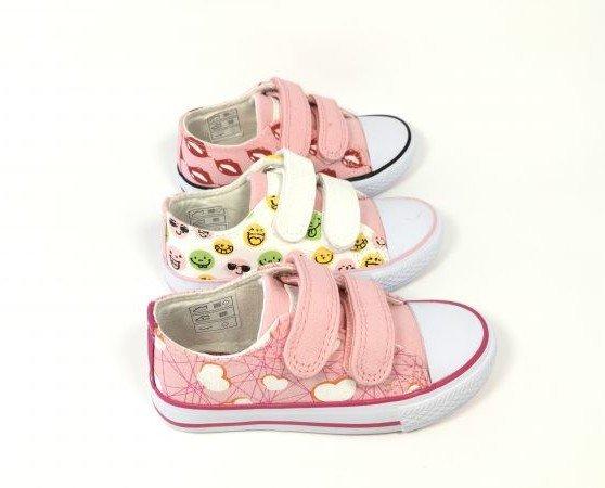 Calzado para Niñas. Zapatillas Deportivas para Niñas. Diseños en todos los colores