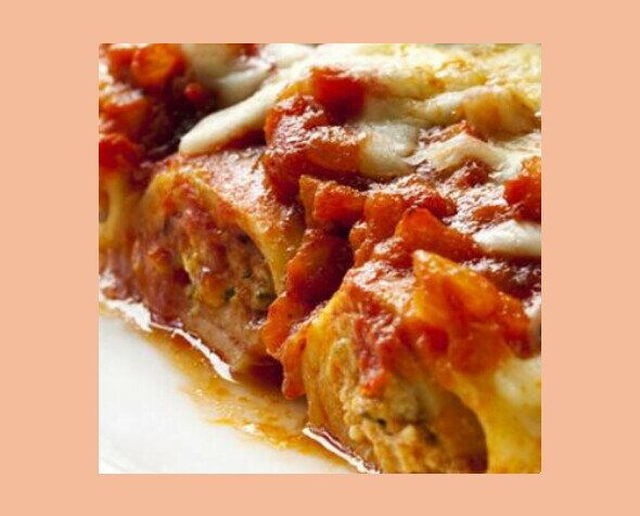 Canneloni de Carne. Receta tradicional lista para servir