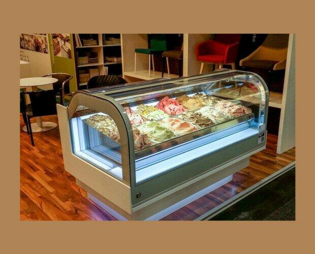 Expositor Refrigerado. Donde la sencillez y la visibilidad integral son el resultado de soluc