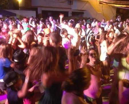 DJs.Fiestas y discomoviles para colegios, fiestas de fin de curso, cenas de empresa, etc.