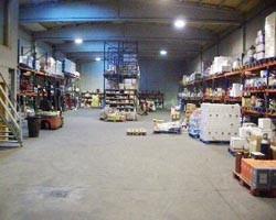 Distribuidora. Bebidas, productos alimenticios, papelería y limpieza