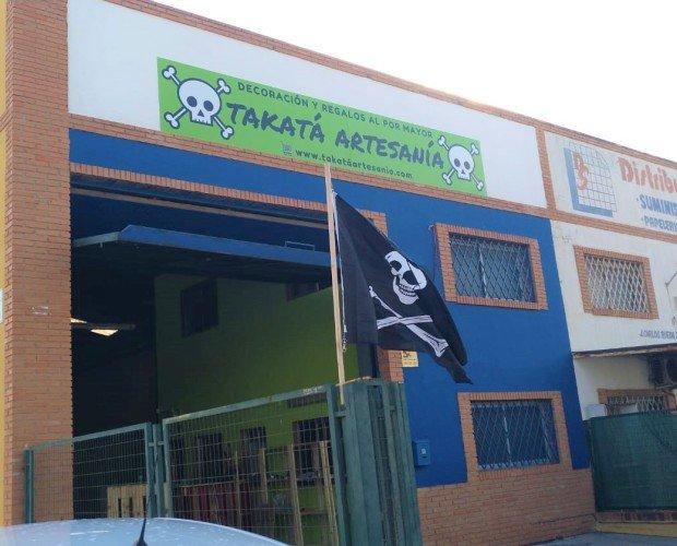 Fachada Lateral. Venta al por Mayor de Artesanía en Málaga