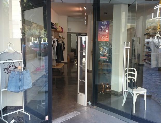Antihurto tiendas. Monoantenas antihurto y alarmas ropa para comercios de moda y complementos