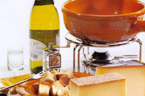 Delicatessen. Jamón de bellota, foie gras, aceite de oliva